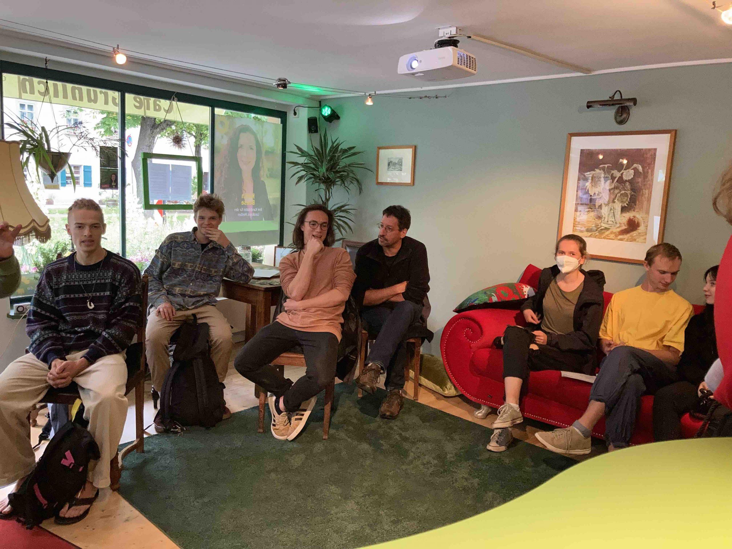 Wahlkampfauftakt im Café Grünlich